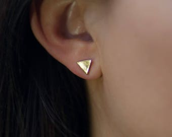 Stud | free shipping | earring | gold | minimalistic | triangle