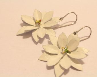 Boucles d'oreilles de Marguerite blanche en aluminium