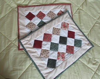 Place mats patchwork in old style fabrics