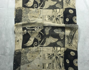 Authentic Foulard  Salvatore Ferragamo Scarf silk scarf butterfly girafe chiffon square hand Rolled  black white Animal bird