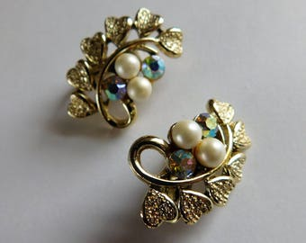 Coro Earrings Rhinestones Pearls Hearts Lovely Vintage Clip On Earrings Designer Jewelry