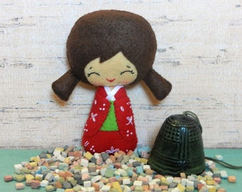 Felt  Kokeshi Girl by Noialand