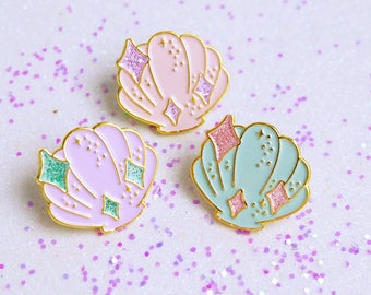Mermaid's Seashell Glitter Enamel Pin