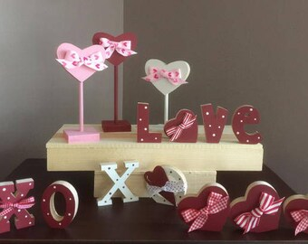Mini Valentine decor, wood