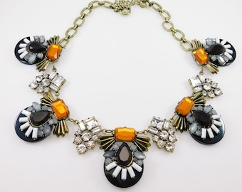 Vintage Lucite Flower Necklace Bib Jewelry