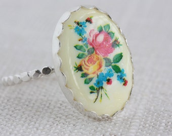 Vintage Flowers Sterling Silver Cameo Ring
