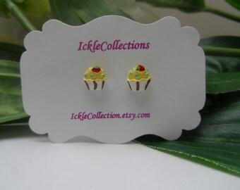 Cupcake magnetic Earrings, girls Earrings, cupcake studs , girls birthday gift, magnetic earrings, stud earrings
