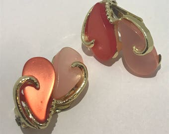 Earrings clips 1960 lucite shades salmon orange drop shaped