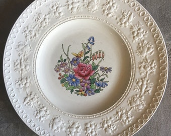 Wedgwood Tintern Dinner Plate Butterfly & Floral Center Vintage - #A1404