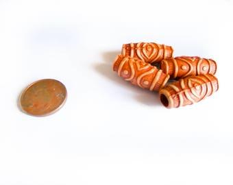 A set of 4 patterns Inca long 18 mm beads
