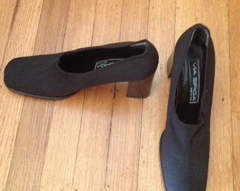 Cool 90's Block Heel Via Spiga Pumps Size 9