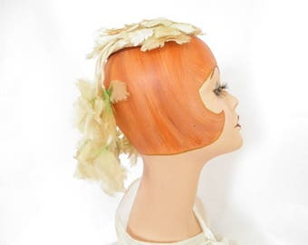 Lilly Dache hat, vintage flowered percher fascinator