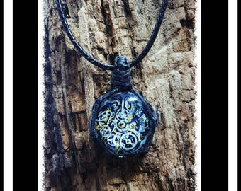 Steampunk glass cabochon macrame necklace