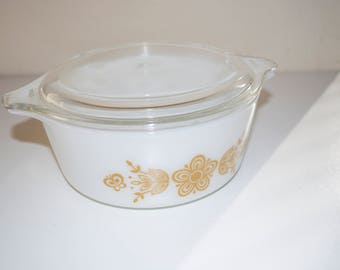 Pyrex Butterfly Gold Small 1 1/2 Pint Covered Bowl Baking Dish with Lid