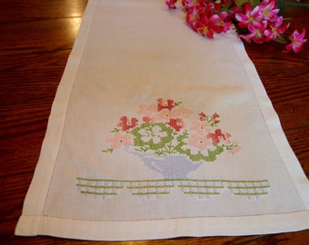 Floral Dresser Scarf Pink and Red Flowers Vintage Table Runner Bureau Scarf Table Linens