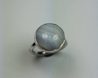 Silver ring with chalcedony gemstone 15 mm