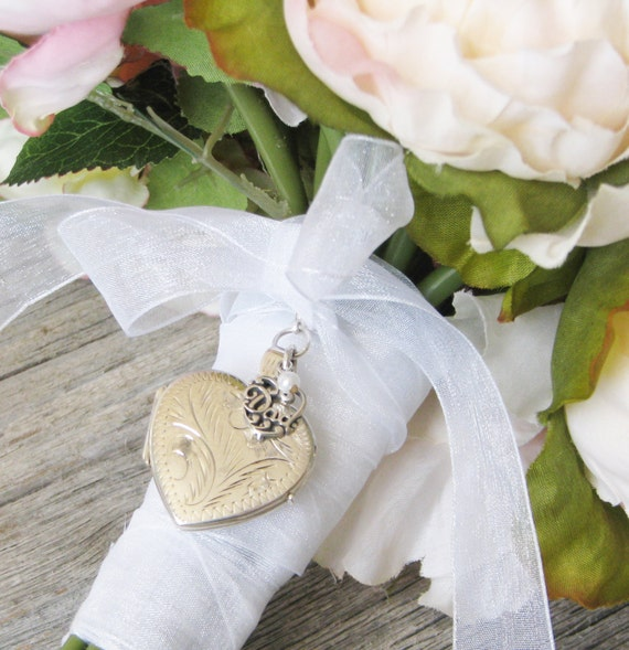 Brides Bouquet locket in Memory of Dad