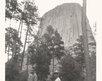 "Vintage Snapshot ""Close Encounters"" Devil's Tower Wyoming Hikers Found Vernacular Photo"