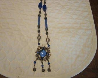 Vintage Art Deco Blue Czech Glass Brass Necklace In Excellent Condition