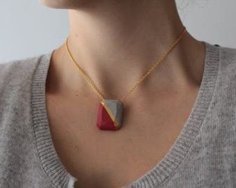 Concrete, concrete necklace necklace, location necklace, golden necklace.