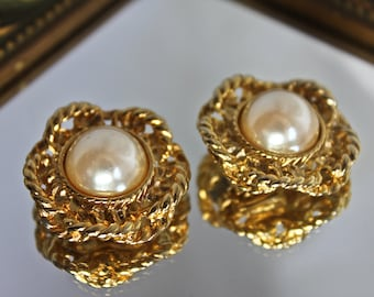 Vintage Gold Tone and Faux Pearl Shoe Clips by Bluette Made in France, c1960s, Faux Pearl Shoe Clips, Wedding Shoe Clips