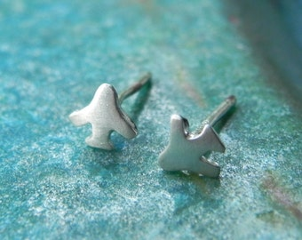 Tiny cute plane sterling silver studs / extra tiny airplane post earrings / toy studs / gift for girl / kids jewelry