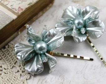 Pair Vintage Seafoam Green Floral Bobby Pins, 1950s Lucite Flower Bridal Hair Pins, Wedding Day Flower Hair PIns