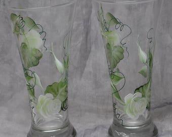 19 oz. Bride & Groom Toasting Beer Pilsner, white rosebuds, set of 2