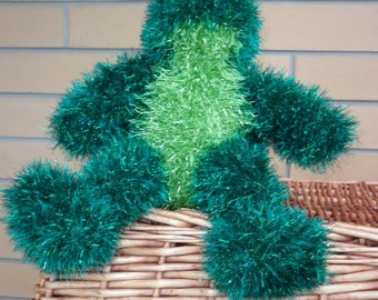 Tinsel frog knitted in emerald green with citrus green front and he is ready to ship.