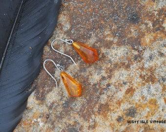 Amber Earring 026, Amber earrings, pear drops, pair of drop earrings, Baltic amber, vintage earrings, handmade jewelry, dangle earrings