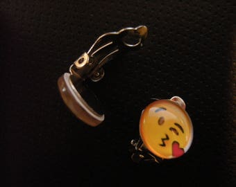 Pretty earrings Clips emoticons kisses