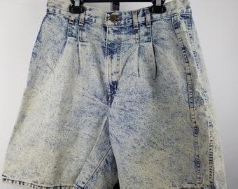 "Chic Shorts Womens Acidwash Stonewash Denim Size 16 High Waist Pleated 28"" Waist"
