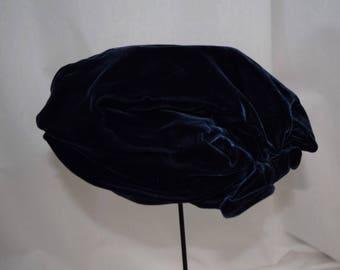 Vintage 1940s 1950s navy blue velvet slouch tam beret