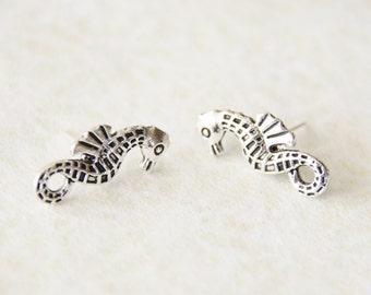 Silver Seahorse Stud Earrings / Seahorse Earrings /  Seahorse Jewelry / Nautical Earrings / Stocking Stuffer / Mom Gift / Beach Gift / SE125
