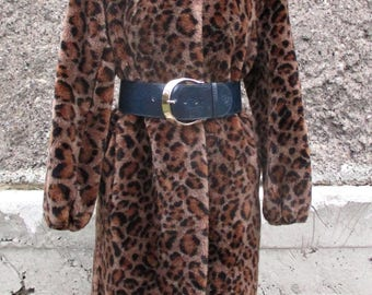 Vintage fur coat faux fur / Jordache/ 80s/ Womens Winter Coat/ long fur coat/ leopard print/ Vegan Coat