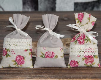 "Chic set of 3 Lavender sachets ""shabby Roses"". Hand-made."