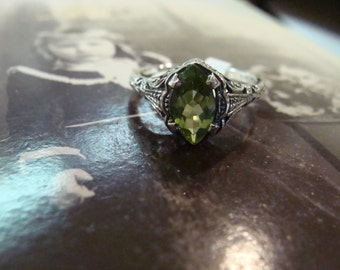 Sweet Sterling Silver Art Deco Peridot Marquis Ring  Size 5.5