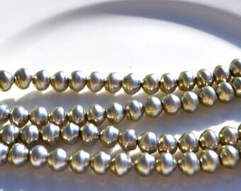 Pale sage Green Swirl Round Glass Pearl Bead  25
