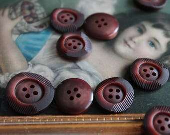 13 Brown buttons for jacket, Brown streaked round button, 662