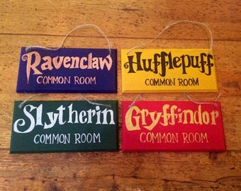 Harry Potter Inspired Hogwarts Common Room Sign ~ Wooden ~ Gryffindor ~ Hufflepuff ~ Ravenclaw ~ Hufflepuff