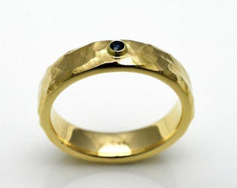 Bandring with Sapphire, gold 8k, 6 mm wide