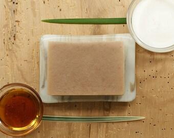 Savon miel et crème | Flocons d'avoine au savon, savon au miel, bain et savon pour le corps, savon végétalien, gousse de vanille, idée cadeau pour femme, cadeau ami