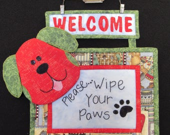 "A ""Doggy"" Welcome Quilted Wall hanging - Patchwork bienvenue de chien"