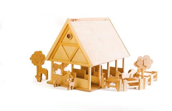 Granja de madera para niños con set de animales y granjeros