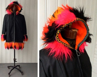 1970s Parka Psychedelic Arctic Fun Fur Day Glo Trim Hooded KLIX Zippered Black nylon Mid Length Vegan parka Coat t5v7tuG