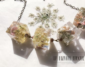 Necklace with cubes in resin and flowers-wildflowers and shells-botanical and natural jewels-for women who love nature
