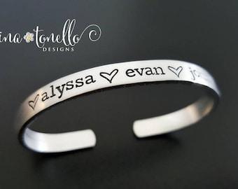 Kid Names Bracelet, Mom Bracelet With Kid Names, Personalized Mom Jewelry, Mom Jewelry with Kids Name, Grandchild Name Bracelet for Grandma