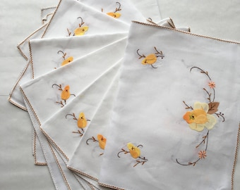 Vintage Cloth Placemats with Appliqued Flowers