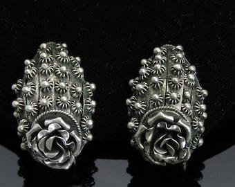 Lovely Pair VTG 800 Silver Rose Dome Clipback Earrings