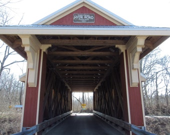 digital photo of a covered bridge